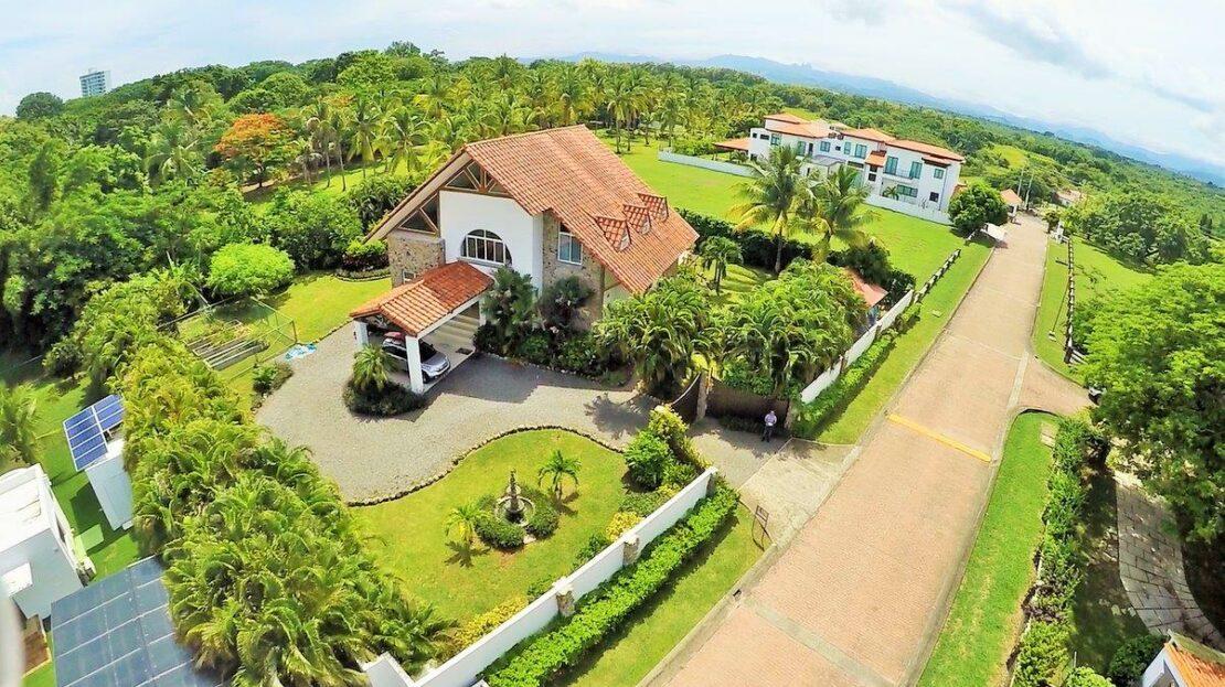 punta barco serenity villa beach real estate in panama 1