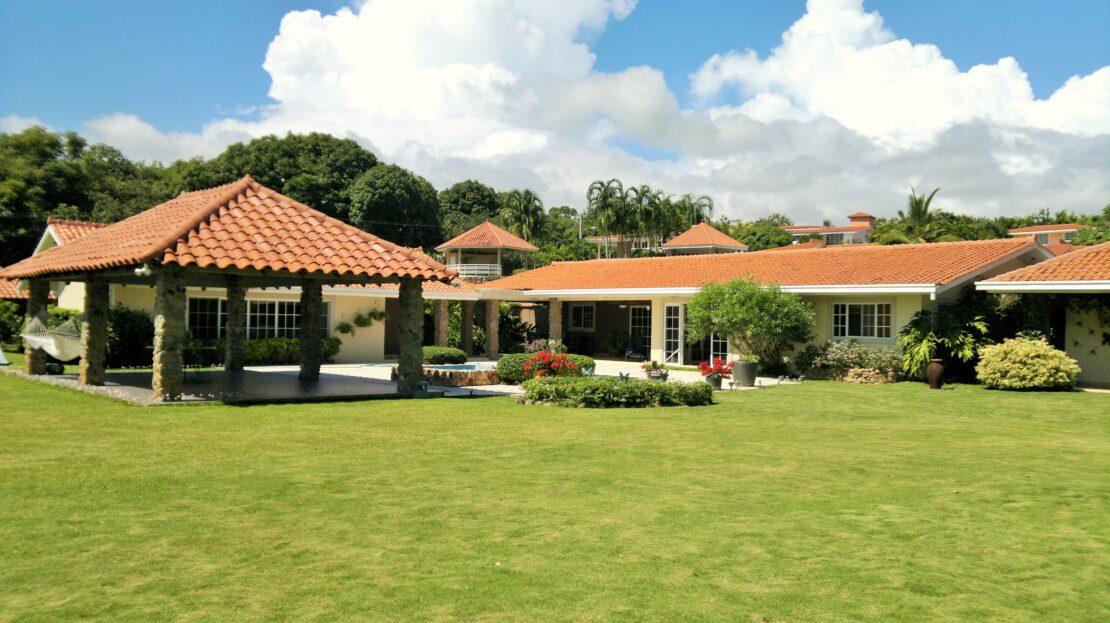 costa esmeralda oak villa beach real estate in panama 1
